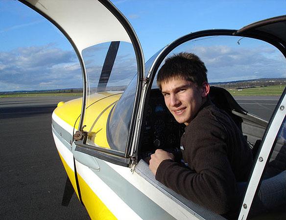 Premier vol solo d'Antoine Gardere le 22 novembre 2008 Aéro-club de Courbevoie