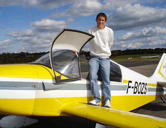 Premier vol solo de Julien Brayere le 4 octobre 2008 Aéro-club de Courbevoie